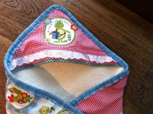 """Baby baddoek """"kikker"""" gemaakt door Mariette"""
