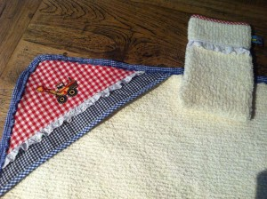 Baby badcape gemaakt door Mariette