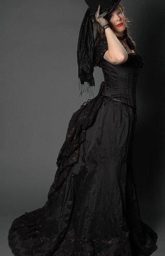 Zwarte belle epoque jurk zij-aanzicht